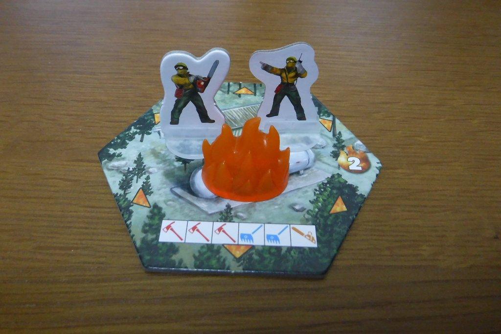 ダイスを使った協力型ボードゲーム「ホットショット」レビュー